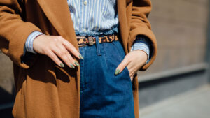 Know the most stylish trend of women jeans
